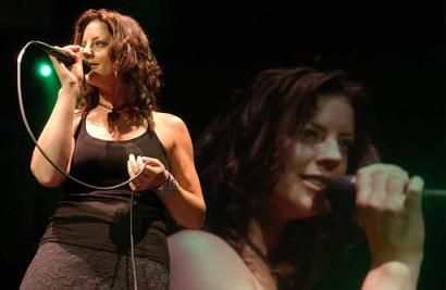 Is sarah mclachlan a lesbian pool party